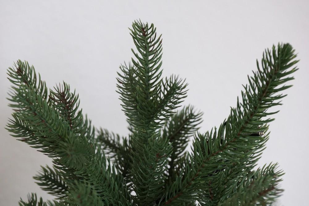 Künstlicher Weihnachtsbaum Wie Echt.Künstlicher Weihnachtsbaum Oder Echten Vor Und Nachteile
